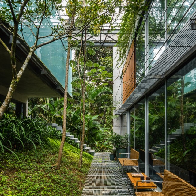 modern-house-on-the-hill-relaxation-on-natural-6