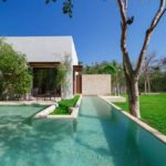 บ้านโมเดิร์น กลิ่นอายแบบสแกนดิเนเวีย เล่นมิติของรูปทรง มาพร้อมพื้นที่พักผ่อนกลางแจ้งและสระว่ายน้ำขนาดเล็ก