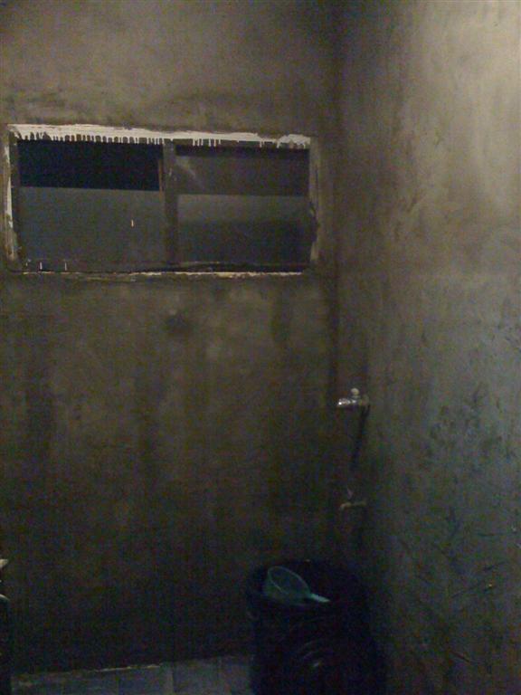 small-concrete-bathroom-review-19