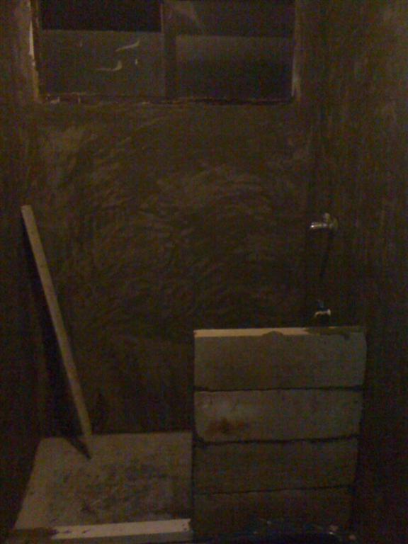 small-concrete-bathroom-review-27