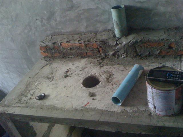 small-concrete-bathroom-review-36