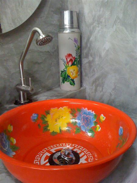 small-concrete-bathroom-review-51