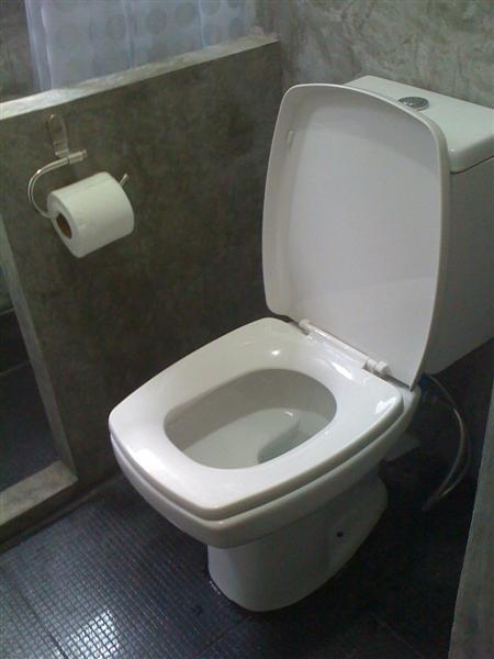 small-concrete-bathroom-review-54