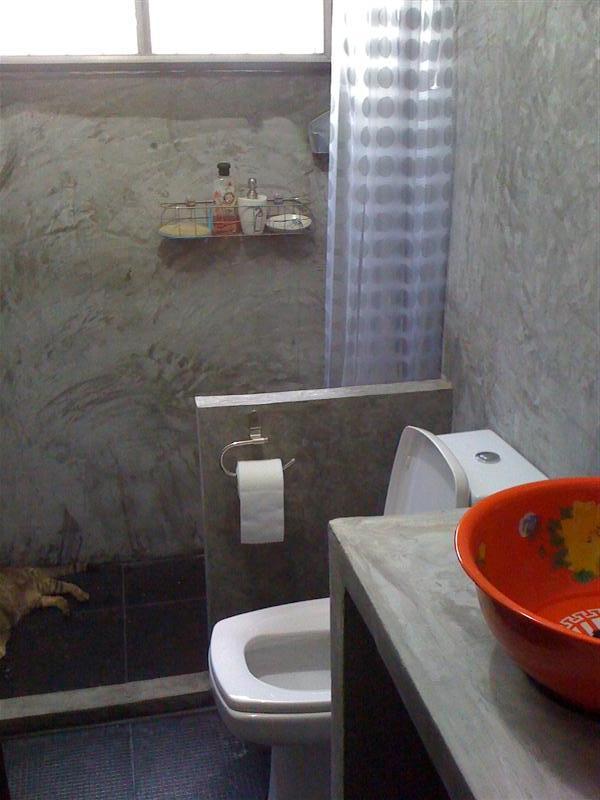 small-concrete-bathroom-review-58