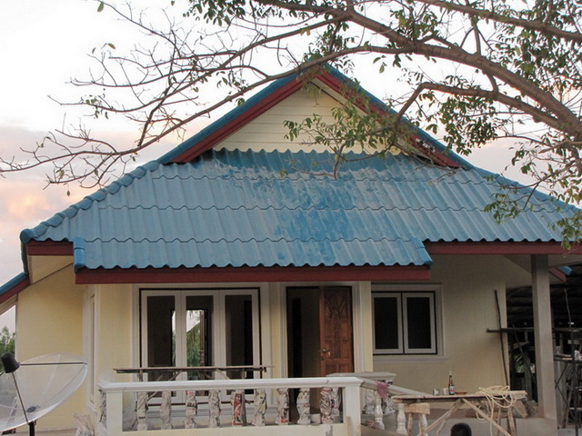 small-contemproary-cozy-house-review-3