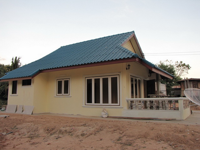 small-contemproary-cozy-house-review-5