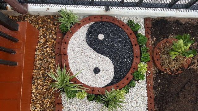 small-garden-and-stamp-concrete-path-review-33
