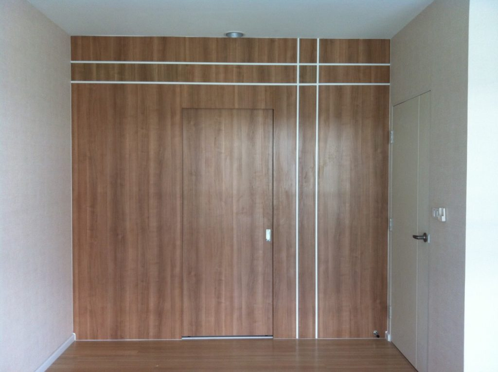 small-walk-in-closet-idea-review-1