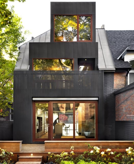 three-story-modern-house-compact-design-18