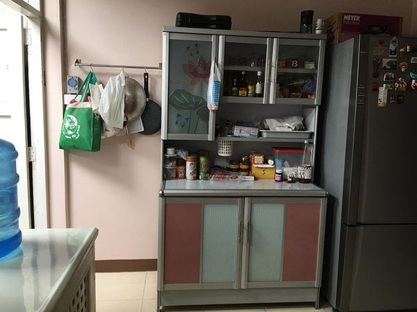 townhouse-concrete-counter-kitchen-renovation-3