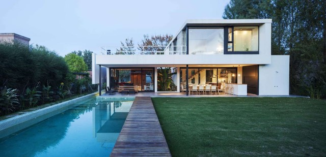 villa-home-with-swimming-pool-minimalist-style-14