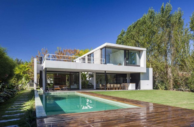 villa-home-with-swimming-pool-minimalist-style-2