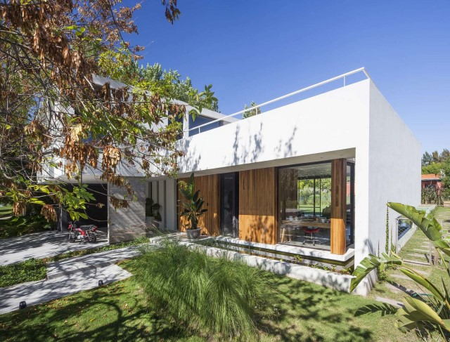 villa-home-with-swimming-pool-minimalist-style-7