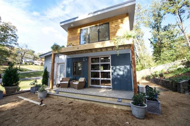 wooden-cabins-house-color-scheme-16