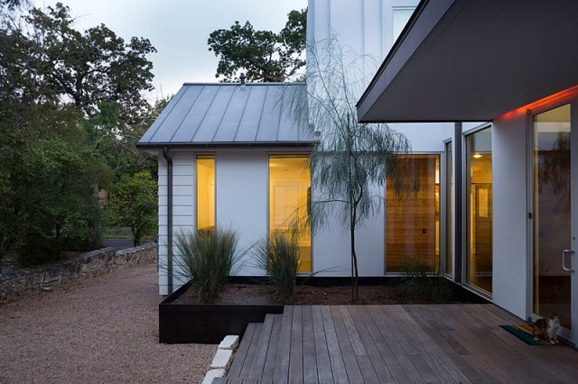 wooden-house-modern-country-style-10