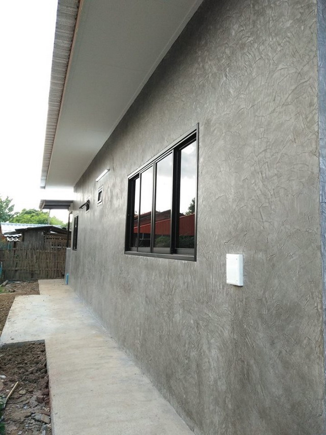 1-storey-modern-house-with-whole-concrete-wall-review-12
