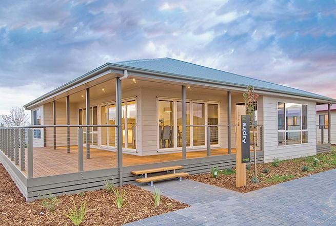 1-storey-white-vintage-house-white-spacey-patio-2