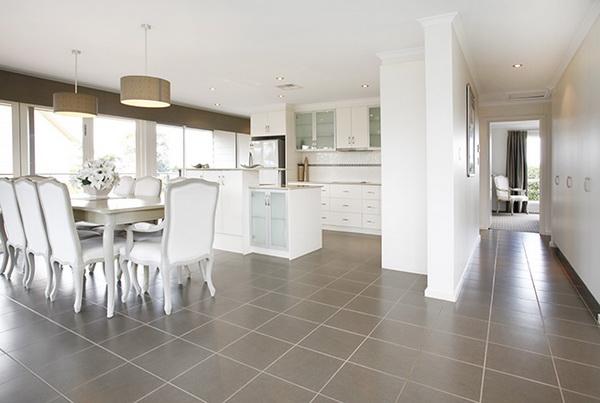 1-storey-white-vintage-house-white-spacey-patio-6