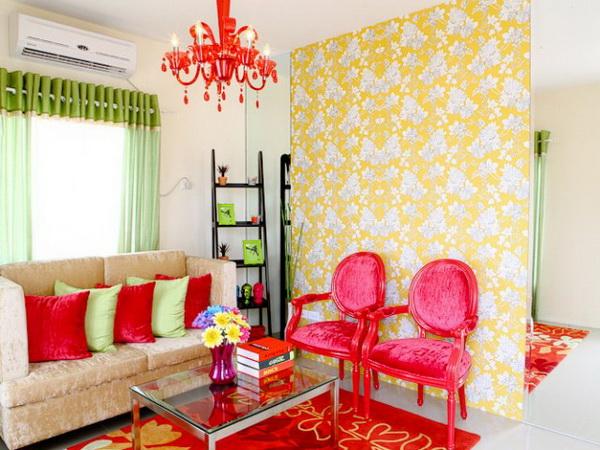 1-storey-yellow-narrow-facade-house-for-small-family-3
