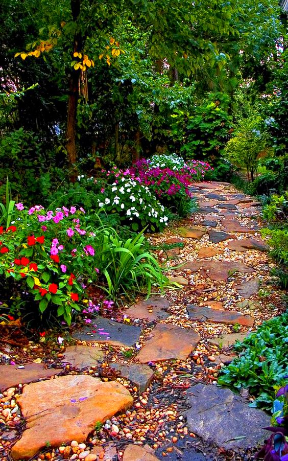 15-texture-ideas-for-garden-pathway-15