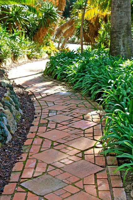 15-texture-ideas-for-garden-pathway-2