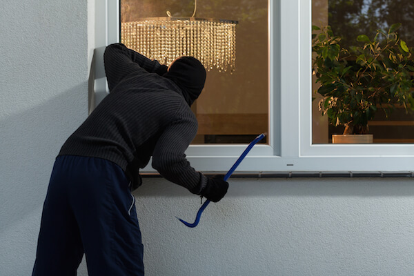 15-ways-to-protect-your-house-from-burglars-2