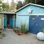 บ้านกระท่อมท้ายสวน โทนสีฟ้าพาสเทล ตกแต่งน่ารัก อ่อนโยน