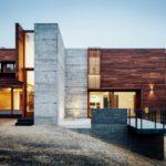บ้านโมเดิร์นลอฟท์ โชว์โครงสร้าง โชว์วัสดุ ท่ามกลางบรรยากาศบนเนินเขา