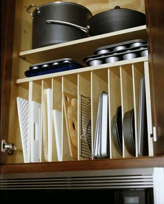 27-creative-and-clever-organized-tables-and-shelves-14