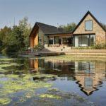 บ้านตากอากาศริมแม่น้ำ สไตล์โมเดิร์นคอทเทจ ตกแต่งภายในแบบมินิมอล