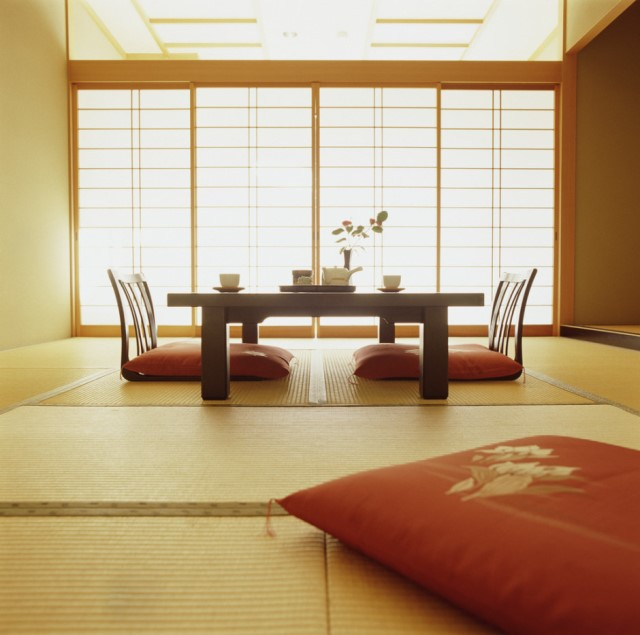 display-design-japanese-style-living-room-room-decorating-modern-ideas-rooms-interior-design-tables-and-wooden-chairs-typical-of-japanese