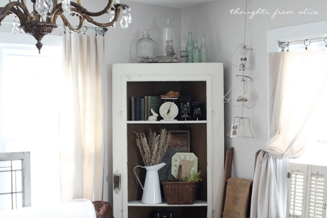 rustic-salvage-door-corner-shelf-decor
