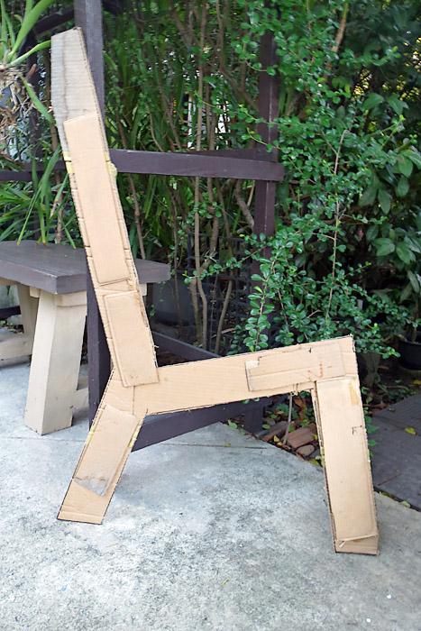 concrete-bench-in-garden-diy-3