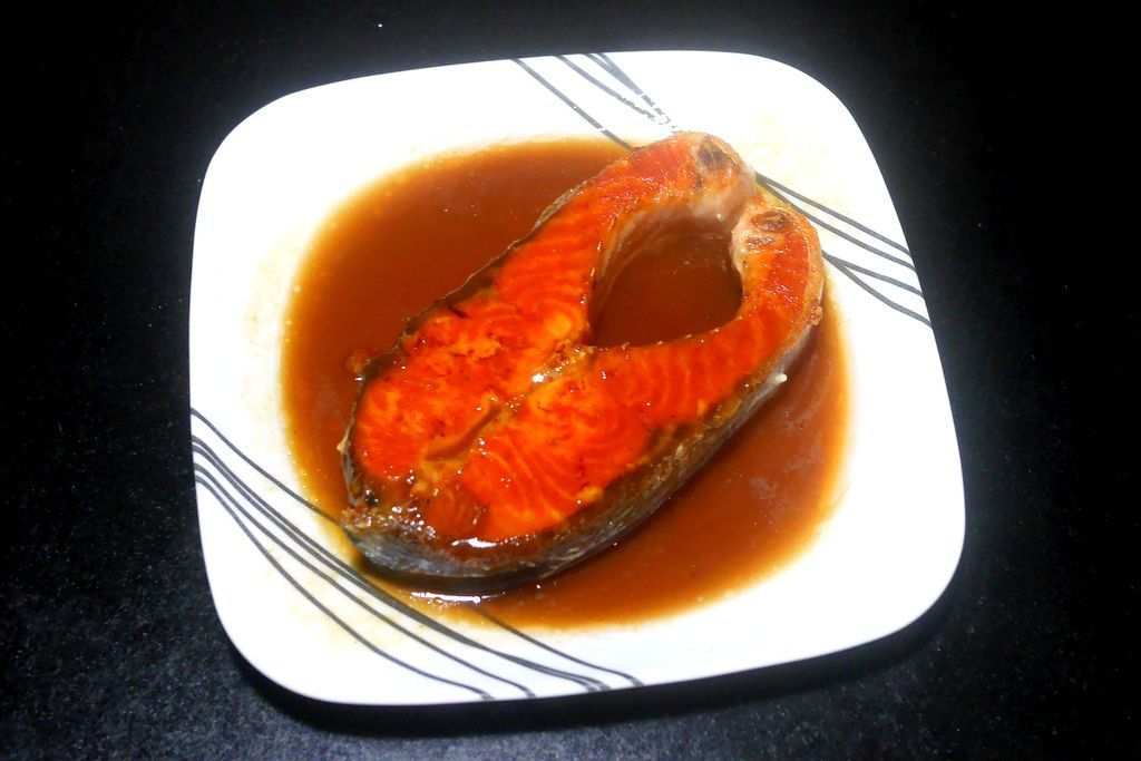 fried-salmon-with-tamarind-sauce-recipe9