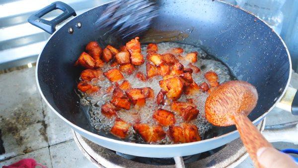 fried-salty-streaky-pork-recipe-9