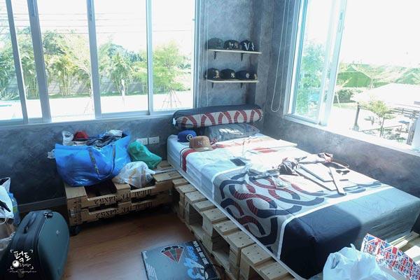 industrial-loft-bedroom-decoration-review-51