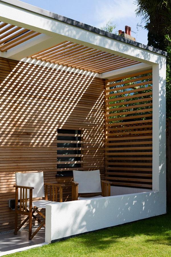 small-modern-house-in-backyard-garden-4