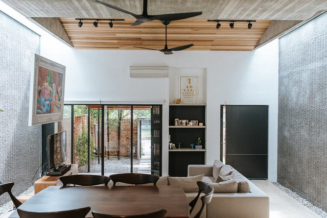 1-storey-comfortable-industrial-loft-house-in-kuala-lumpur-5