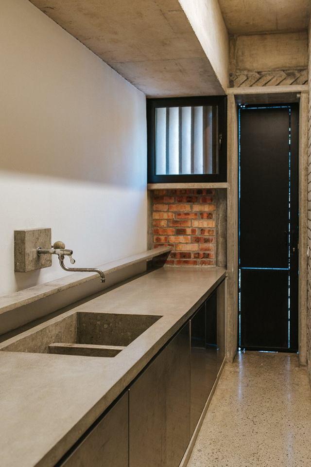 1-storey-comfortable-industrial-loft-house-in-kuala-lumpur-6