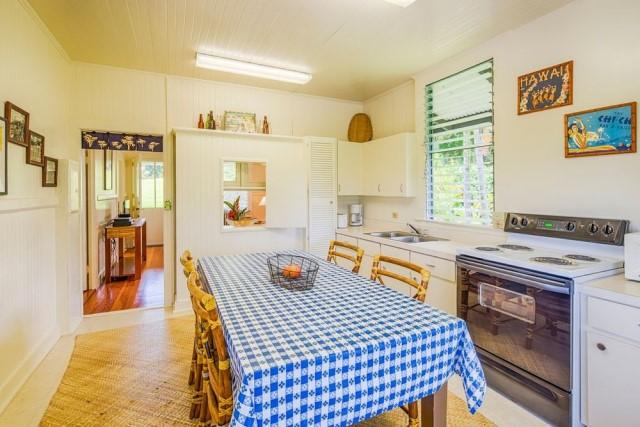 บ้านไม้สไตล์คอทเทจ ออกแบบเรียบง่าย 2 ห้องนอน ตกแต่งภายในน่ารัก พร้อมสนามหญ้าโล่งกว้าง – NaiBann – ข้อมูลซื้อขายบ้าน บ้านเดี่ยว คอนโด ที่ดิน ค้นหาบ้าน ข้อมูลที่อยู่อาศัย รวมแบบบ้าน ไอเดียตกแต่งบ้าน