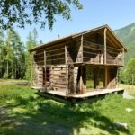 บ้านกระท่อมไม้ ที่ดัดแปลงจากยุ้งข้าว มาพร้อมการบิวท์อินภายในด้วยงานไม้ สุดเนียบ
