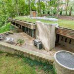 บ้านตากอากาศ สไตล์โมเดิร์นลอฟท์ สอดแทรกการใช้ชีวิตไว้ในป่า พร้อมการออกแบบสวนหลังคา ร่มรื่น