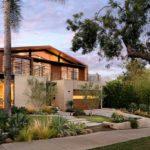 บ้านวิลล่าพร้อมสวน ออกแบบหลังใหญ่ สไตล์ที่สะท้อนความภูมิฐาน ตกแต่งด้วยคอนกรีต ไม้ เหล็ก และกระจก