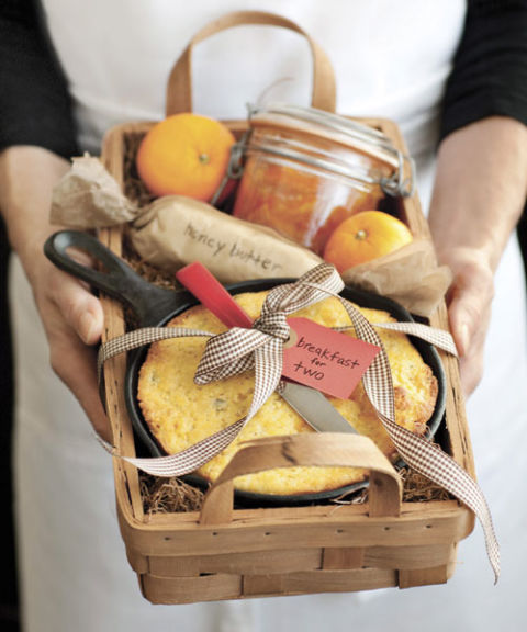do-it-yourself-gift-basket-ideas-for-all-occassions-breakfast-for-two-sweet-and-savory-gift-basket-idea-via-country-living