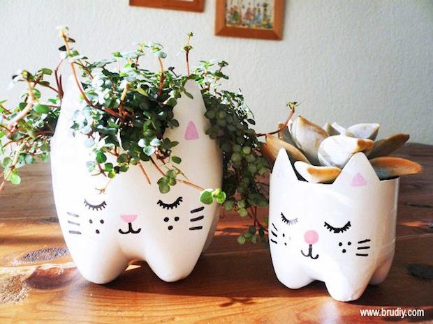 brudiy_plastic_bottle_cat_planter_02