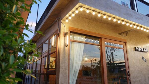 modern-loft-home-office-review-112