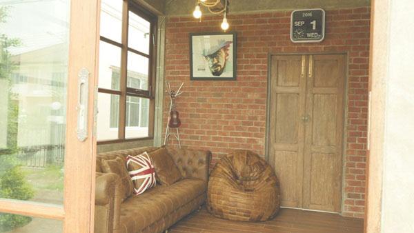 modern-loft-home-office-review-114