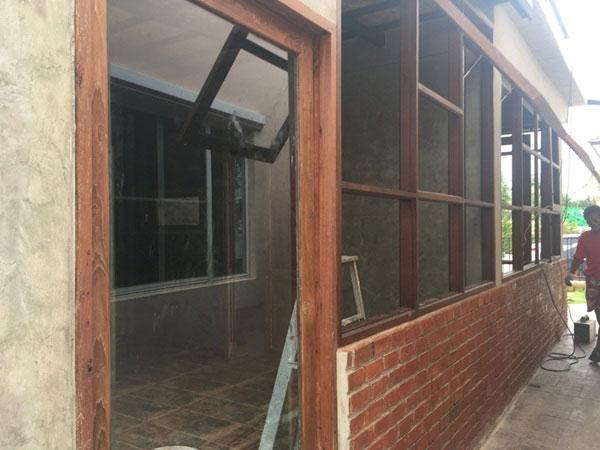modern-loft-home-office-review-34