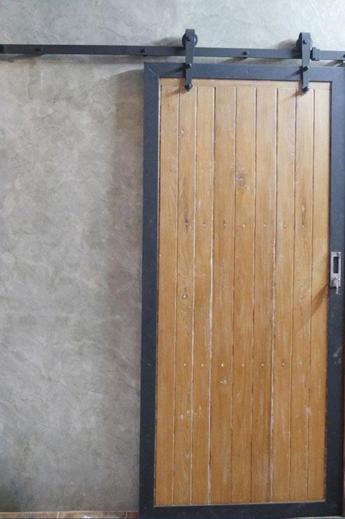 modern-loft-home-office-review-58