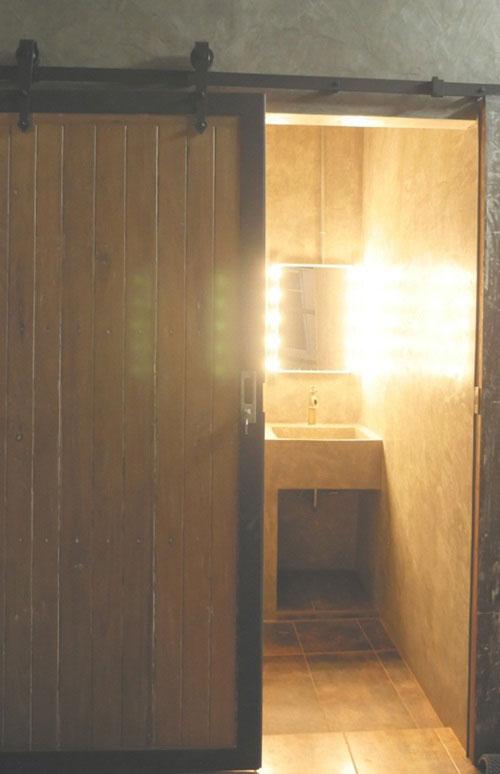 modern-loft-home-office-review-59